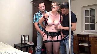 French Chubby MILF - Elle ondule quand on lencule - amateur porn