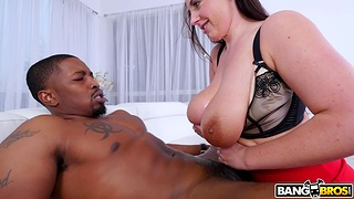 Chunky chick Angela White gives black man access to all holes