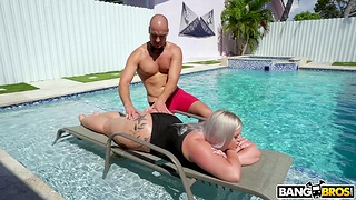 Hardcore screwing unemployed BBW Ashley Barbie together with a fruitful white cock