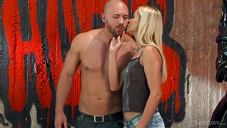 Muscular macho bangs anal hole of sexy babe Cherry Kiss plus cums in the first place her face