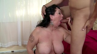 Fat wife Alexis Couture enjoys obtaining fucked in doggy - BBW