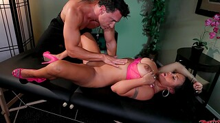 Massage leads round hardcore dicking be expeditious for busty model Mariah Milano