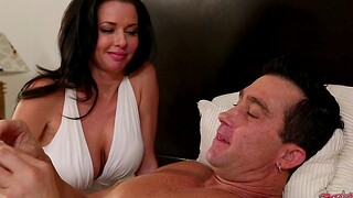Guy with a fat dick fucks overjoyed pussy of MILF Veronica Avluv