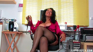 Trimmed pussy full-grown Danica Collins spreads her legs to masturbate