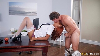 Menacing coed Jenna Foxx seduces will not hear of teacher and he fucks will not hear of right on the table