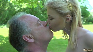 Young college ungentlemanly have sex with one old sponger in the park