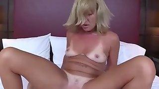Dirty wife stepmama daisey fucks cool tender bud